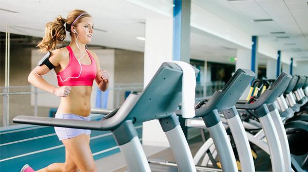 6 sai lầm trên máy chạy bộ đang kìm hãm việc giảm cân của bạn