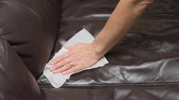 4 bước vệ sinh ghế massage tại nhà