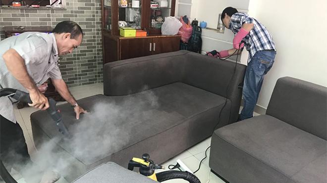 Hướng dẫn các bước vệ sinh ghế sofa tại nhà đơn giản